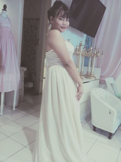 Lovin this Petty's elegant gown :*