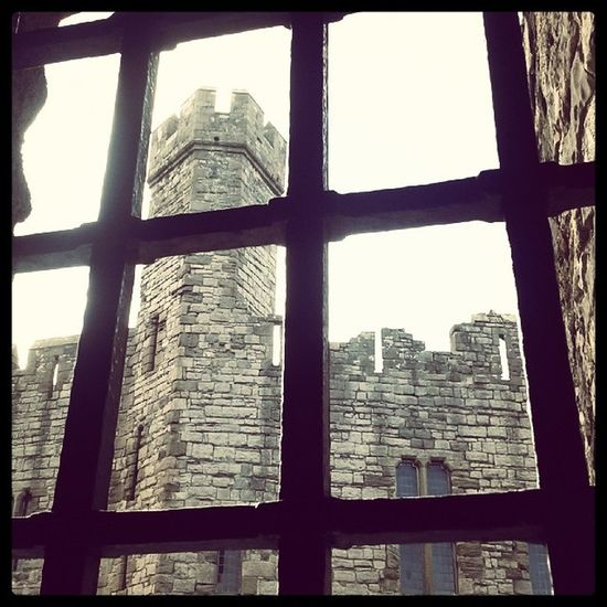 Castle Caernafon Wales Roadtrip