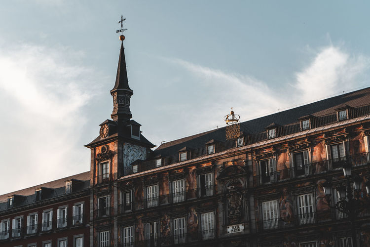 Low angle view of building against sky at plaza mayor in city