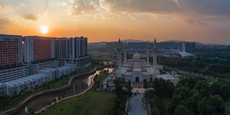 Aerial Panoramic view of Tengku Ampuan Jemaah Shah Alam Mosques Of The World Mosque Architecture Mosque Aerial Photography Aerial Sunset Aerial View Aerial Shot Architecture Sunset Sky Built Structure Cloud - Sky Building Exterior High Angle View Outdoors No People Nature Travel Destinations City Tree Scenics Cityscape Day