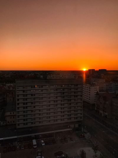 Sunset Orange Color City Architecture Cityscape Building Exterior Built Structure Sun No People Sky Outdoors Nature Skyscraper Clear Sky Sunlight EyeEm Gallery The Week On Eyem Live For The Story The Great Outdoors - 2017 EyeEm Awards EyeEm Best Edits Cloud - Sky