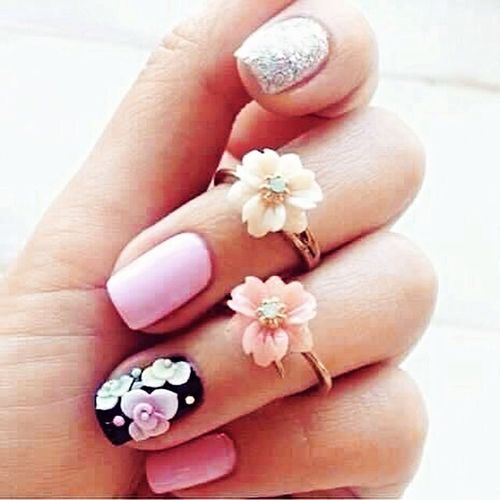 Me lovin' thy nails 😘💅 Manicure Girlynails Nailartphilippines FloweRings