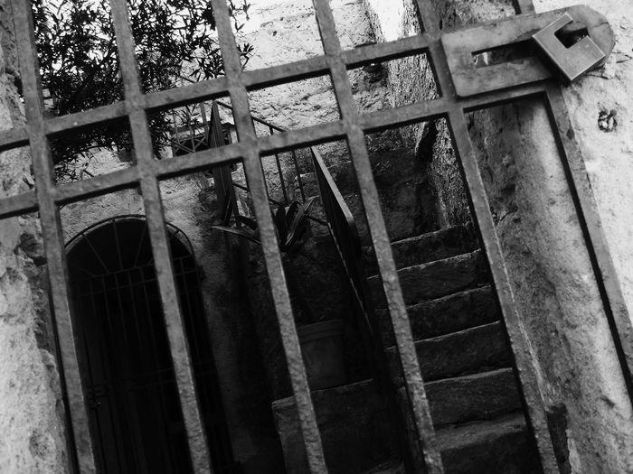 Run-down Marzamemi Paesino Sicilia Italia Hamlet Foto D'epoca Cancello Old Old Town 1900 Novecento Biancoenero Black And White Blackandwhite Pachino Sicily Gate Old House Old Buildings Italy Artistic 40s 50s Lock