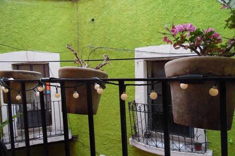 Balcón Guanajuato Mexico Colors