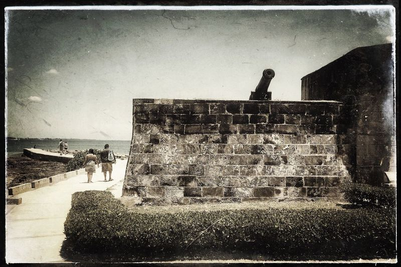 Couples Strolling past Fort Montagu in Nassau, Bahamas Nassau, Bahamas Black & White Blackandwhite Photography Textures Fort Fort Montagu Couples Cannon