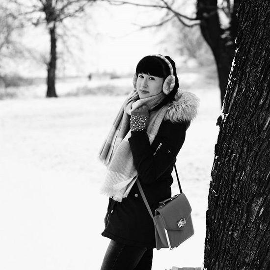 Sesja Black White Czarnobiałe Blackandwhite Park Session Zima Winter Cold Nowy Rok śnieg Snow Trees Beautiful Beauty Day Nature Picture Natura Krajobraz Landscape Polishgirl Moda ootdpolandlikeforlikel4lf4f