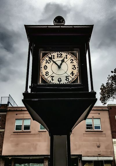 Where Time Stands Still Check This Out Taking Photos Urban Nature Clockface Time To Reflect Darryn Doyle Capture The Moment Broken Clock The Dithyramb Post (Banters)