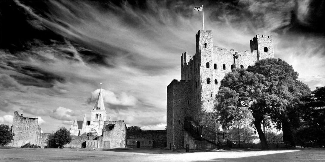 Breathing Space Architecture Building Exterior Religion Tree History Outdoors Spirituality Business Finance And Industry Day Built Structure Statue No People Cityscape City Clock Sky The Way Forward Amazing Places EyeEm Selects Todays Hot Look. Rochester Castle Live For The Story Rural Scene Sommergefühle