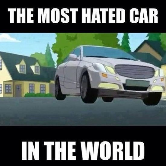 I hate that Mercedes Benz E Class so much!!! It kill Bryan Bryangriffin from familyguy padredefamilia