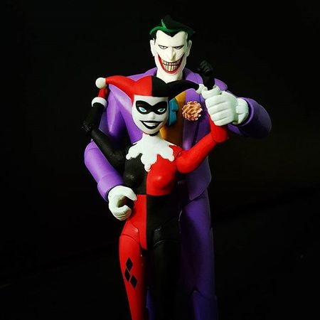 "Mad Love ""Psychotic mass-murdering clowns and the women who love them."" Joker JokerSunday Harleyquinn Harleenquinzel Madlove Valentines Valentinesday Happyvalentinesday Vday Batman BatmanTheAnimatedSeries DC Dccomics DcCollectibles Toyphotos Toyphotography Toycollecting Atadreadnoughts Ata Toyslagram Toycommunity Toyboners @toyboners Toptoyphotos Thebatforce Toyphotos toygroup_alliance btstp_id toygraphyid"