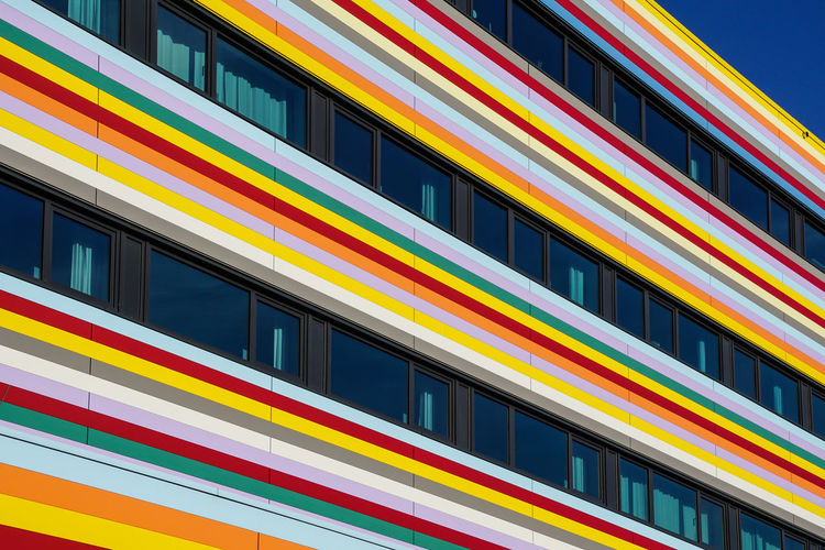 Windows and lines ... Architectural Detail Architecture Architecture_collection Architecturelovers Bunt Colorful Colors Design Diagonal Diagonals Farbig Fenster Hi! Lines Linien Modern Showcase: February Sky Symmetry Windows
