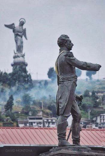 Llegan a mí lugares, líneas, coincidencias. Tus reflejos. Quito - Ecuador 2011 Statue Sculpture Human Representation Art And Craft Male Likeness Day Built Structure Outdoors Travel Destinations Architecture Sky No People Tree (null)Patriotism Quito- Ecuador. Burning Religion