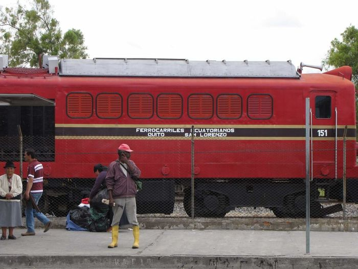 Estacion de tren Ibarra Red Magnumphotos Everydayecuador Concretejungle Exploración Streetphotography Exploracionurbana EyeEm Gallery Eyeemphotography Eyeem Market Burnoutart Eyeemmarket Estación De Tren