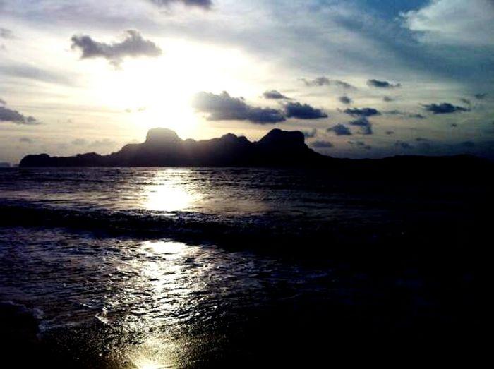 Sunset at the beach. WhenInElNido