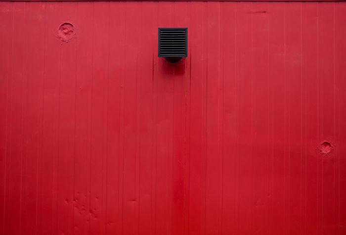 Redwithablackthing Minimalist Pattern, Texture, Shape And Form Architectural Detail Architectural Feature Architecture Backgrounds Berlinmalism Building Exterior Built Structure Close-up Day Fujix_berlin Fujixe3 Fujixseries Full Frame Minimalism Minimalistic Minimalobsession No People Outdoors Pattern Ralfpollack_fotografie Red Simplicity