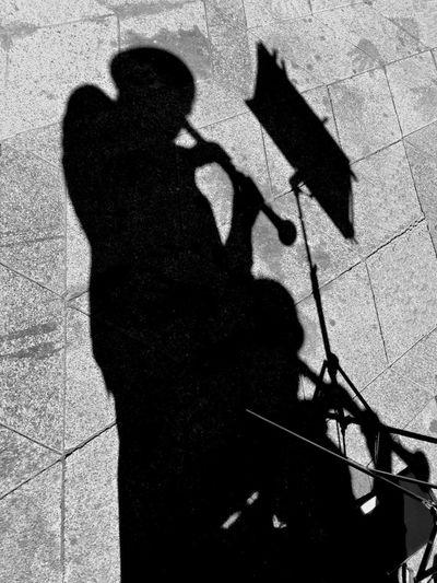 318 / 365 Atril Clarinet Ground Musician Partitura Shade Shadows Shilhouette Silohuette Texture
