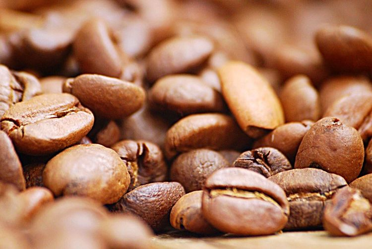 Coffee beans Macro Brown EyeEm Selects Food And Drink Food Freshness Large Group Of Objects Brown Close-up No People Selective Focus Still Life Coffee Coffee - Drink Roasted Coffee Bean Backgrounds Roasted Wellbeing Healthy Eating Caffeine Full Frame EyeEmNewHere The Still Life Photographer - 2018 EyeEm Awards