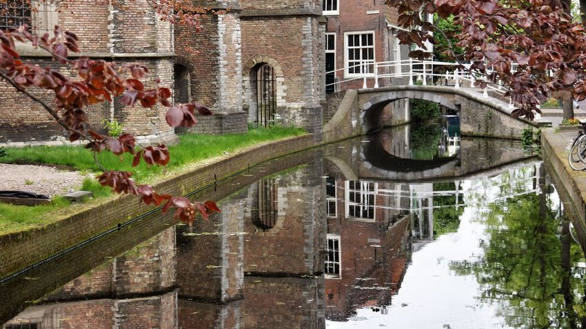 Delft Holland Netherlands City Life Walking Around The City  Village Old Buildings Oldtown Old House Water Reflections Reflections From My Point Of View Peace And Quiet Special Moment Sony NEX Eyem Gallery Colours Colour Lonely Romantic Tree And Sky Church Sunday Morning Streetphoto