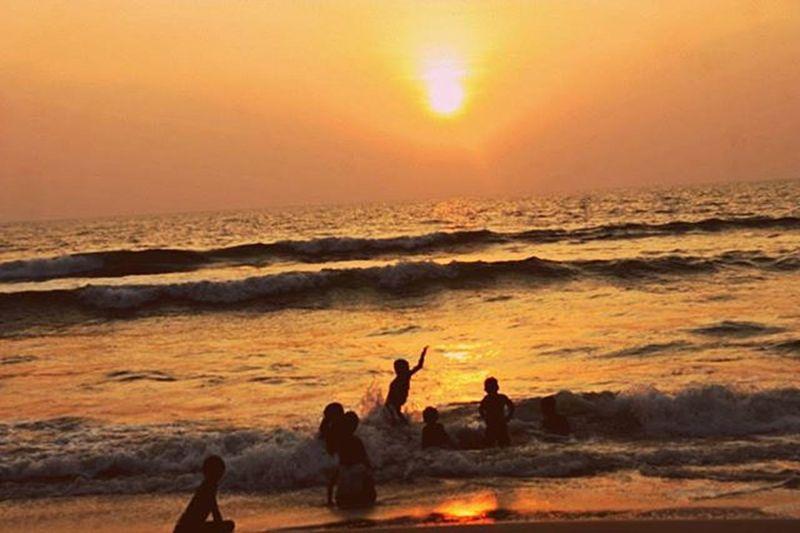 Ajithsphotography Beach Childrens Playing Waves Wind WOW Sunset_time Kundapur Kinara Mamuli_adda Nam_badi Canonpic 450d