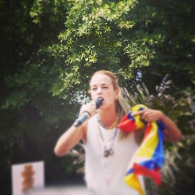 26m Chacaito Venezuela SOSVenezuela ResistenciaVzla sos estudiantes gobiernocorructo prayForVenezuela fuerza elquesecansapierde dandovoz ejercer caracas universidades paz