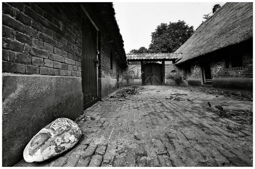 Old farmhouse Farmhouse Old Old Farmhouse Blackandwhite Blackandwhite Photography Blackandwhitephotography Blackandwhitephoto Black And White Black And White Photography EyeEm Best Shots - Black + White Stone Material Stone House Historical Farm Architecture Building Exterior Built Structure Close-up Historic