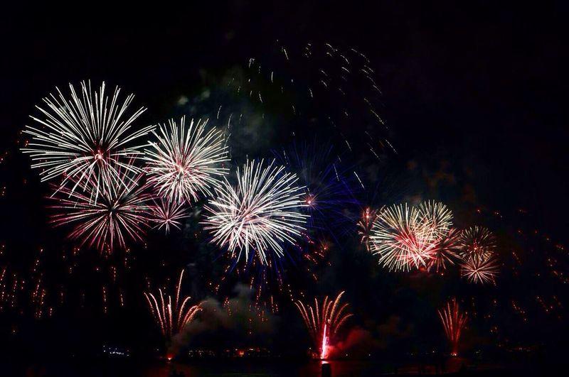 Fireworks Dubai Mydubai JBR Beach Outburst Happy Popular Photos Bestoftheday Picoftheday