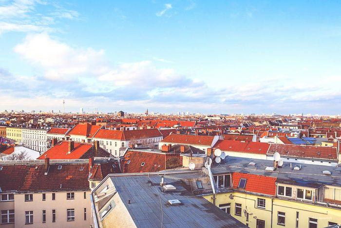 Der Blick nach Osten fehlt noch bei der Serie Dächer Neuköllns Berlin Neukölln Urban Landscape Cityscapes City View  Rooftop Roofs Germany Fernsehturm Tvtower