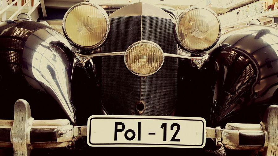 The Drive No People Close-up Metal Day Oldcar Old Vintage Vintage Cars Vintagemercedes Expression Car Museum