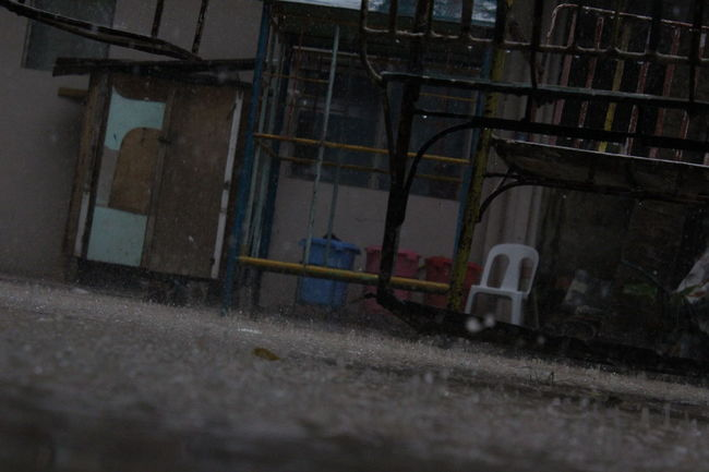 #playground #rain  #rainyday #sideview #Splash #swing