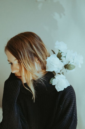 The Portraitist - 2019 EyeEm Awards One Person Flower Flowering Plant Headshot Plant Real People Portrait Indoors  Young Adult Casual Clothing Lifestyles Adult Young Women Women Beauty In Nature Hairstyle Close-up Hair Flower Head Contemplation