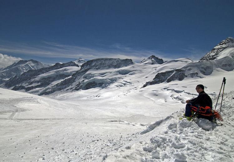 Single skier