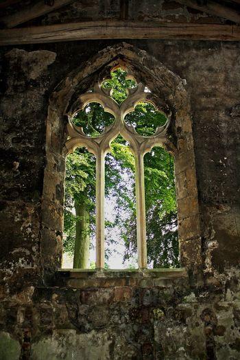 The chapel at Skipton Castle, Skipton, UK. Windows Stone Masonry Castles Skipton Castle Disused Chapels Medieval Castles Skipton North Yorkshire