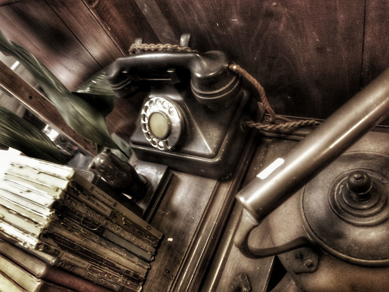 old-fashioned, retro styled, antique, time, rotary phone, vintage, clock, communication, indoors, history, telephone, technology, no people, telephone receiver, close-up, clock face, day, minute hand