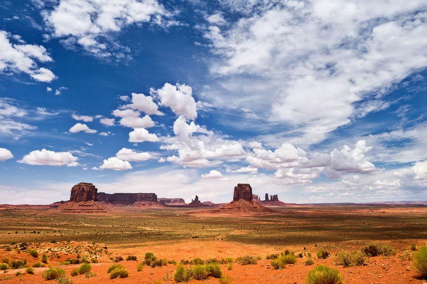 Monument Valley Arizona Desert Landscape Monument Monument Valley Monument Valley Tribal Park Tourism Travel Travel Destinations Utah Valley