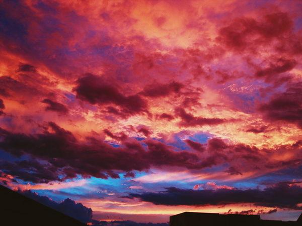 Sky colors Clouds Photoftheday EyeEm Best Shots EyeEm Gallery Freepeople Chery Livefolk Hallazgosemanal Folkgood Primerolacomunidad Peoplecreatives Instagood First Eyeem Photo Instamood EyeEm Minimal Sky Live Minimalism Grid Photooftheday Mood Up&up Sky And Clouds