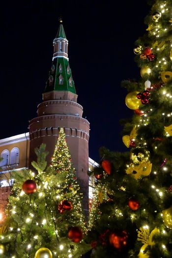 Christmas Lights Kremlin Kremlin Architecture Russia Moscow Red Square Russia Architecture Building Exterior Built Structure Celebration Christmas Christmas Decoration Christmas Lights Christmas Ornament christmas tree Holiday - Event Illuminated Night No People Tower Tradition Travel Destinations Tree