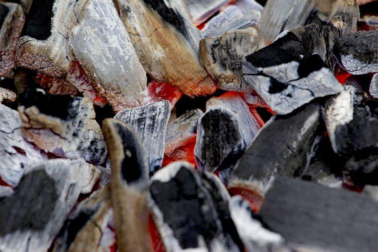 Feuer Holzkohle Wärme Close-up Day Energie Energy Glut Holzkohlegrill Kohle No People