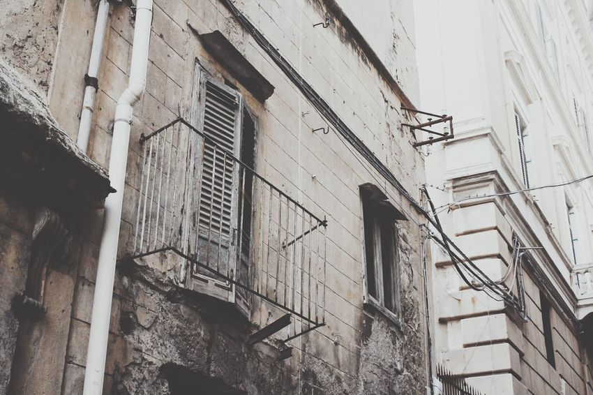 Architecture Building Exterior Built Structure Low Angle View Window No People Outdoors Day Palermo, Italy Palermo Balkony Expired Abondoned Ruin Old Façade Low Angle View Old House Balcony Windows Architecture Old Town Grey Sky Abondoned Buildings