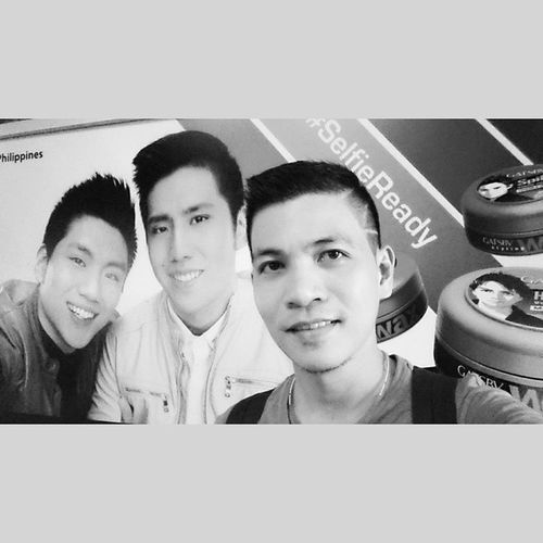 2014 in Review: Yet the best to describe this year is being Selfieready and the various derivatives of Selfie such as Oscarselfie Wefie were born! 😀😁😂 With ze tengbrothers 🏀 @tengjeric @jeronalvinteng blackandwhite