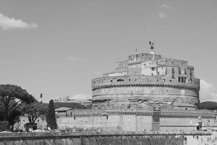 Castel Sant'Angelo, or Castle of the Holy Angel... Rome Rome Italy Rome View Italytrip Bnw_captures Bnw_life Bnw_society Bnwphotography Bnw_city Fujifilm_xseries Fujifilm_id Fujifilmxa2 Teamfuji Terfujilah