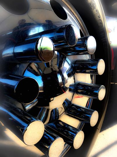 Shiny Reflection Photography Chromed Wheel Kenwoth Truck Close-up Outdoors