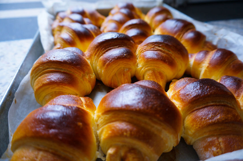 Yes I'm ready 😋 💛 Croissant French Food Food Food And Drink Bakery Breakfast Baked Pastry Item Sweet Food Freshness Viennoiserie Pastry Crescent French Bakery  Pain Au Chocolat Kipferl Delicious Chocolate Cornetto Merienda Cuerno Bun In The Kitchen Tradition Gourmet Puff Pastry