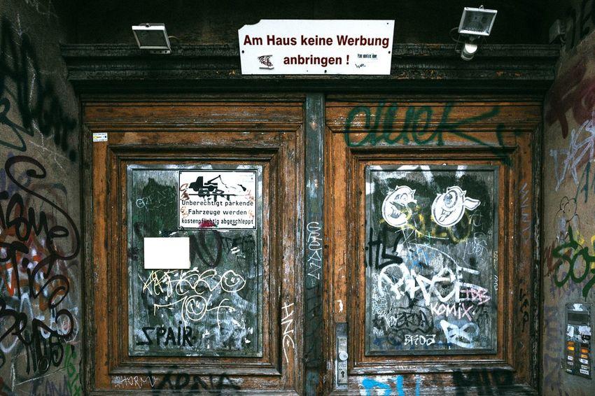 No Advertising...only graffiti tags :D Doorporn Door Old Buildings Advertising Shield Graffiti Notes From Berlin Notes Berlin Prenzlauerberg