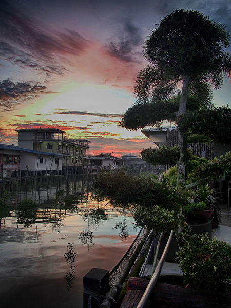 Sunrise at Kukup, Malaysia Kukup Malaysia Sunrise Seafront First Eyeem Photo Showcase July Kelong