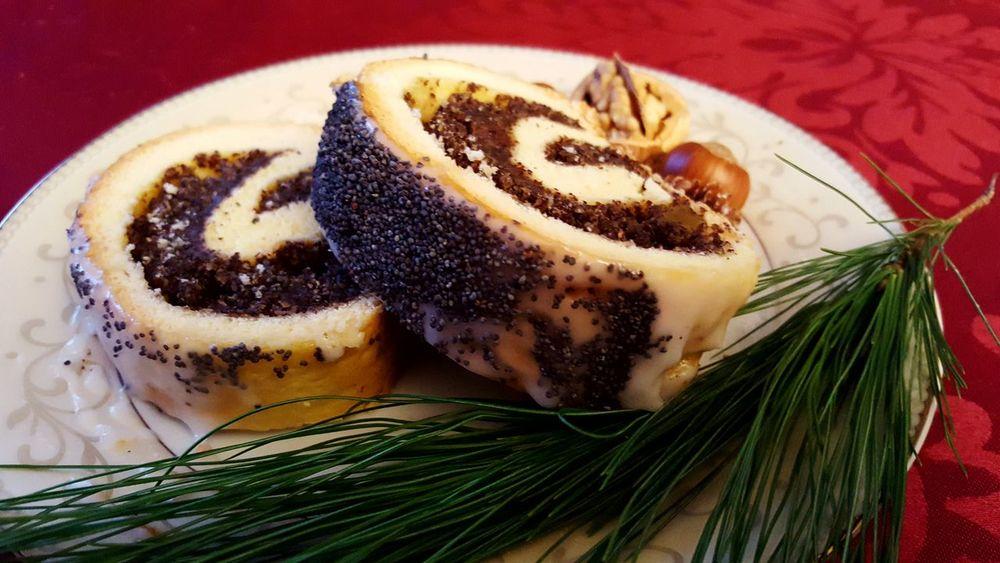 Food Freshness Close-up Tradition EyeEm Best Shots Festive Season Christmas Ready-to-eat Poppy Seed Cake Makowiec Foodie Food Photography EyeEm Food Photography EyeEm Food Lovers Pastries Cakes