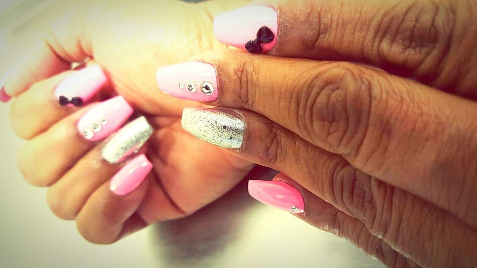 Nails Done Mother Pink Nails With Bow Solid Colors Solid Color Background Gliter Gray And Pink Hands Beauty Minimalism