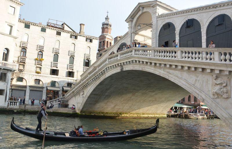 Italy Italia Famous Place Travel Photography Venice Canals Veneto Italy Gondola Canals Venetian Rialto Bridge Tourism Nautical Vessel Gondola - Traditional Boat Bridge - Man Made Structure Travel Destinations Arch Gondolier
