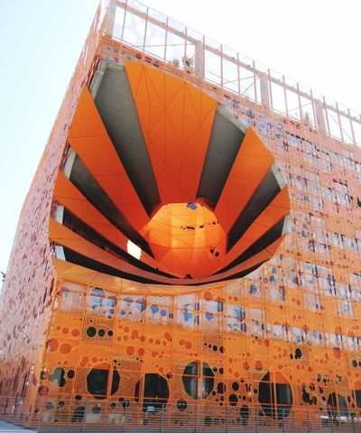 Under Pressure Lyon : le cube orange de Lyon Conflluence