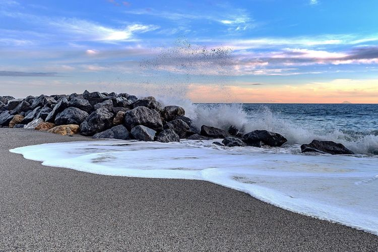 Waves Sky Cloud - Sky Water Beauty In Nature Beach Nature Sea No People Horizon Over Water Scenics - Nature Sunset