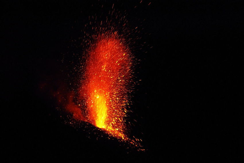 Eruption Eruptiontonight Incredible Island Italy Lava Fountain Majestic Power In Nature Stromboli Stromboli Volcano